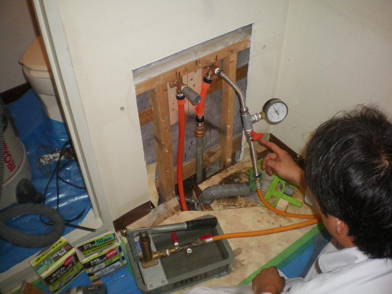 配管補修後の水圧テスト状況