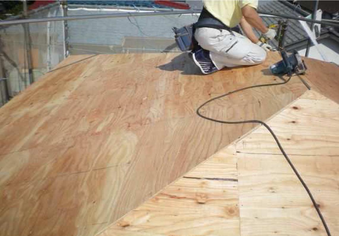 屋根下地、合板12mm張り